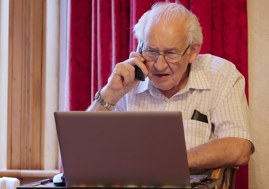 Elderly man concerned over coronavirus scam in email